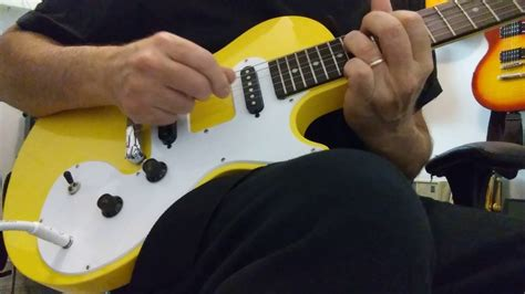 Epiphone SL in Sunset Yellow/Review in Text - YouTube